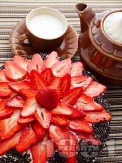 Лесна какаова торта с шоколадов крем и пресни ягоди - снимка на рецептата